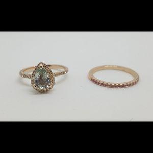 Jewelry - Wedding rings set